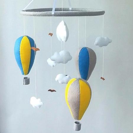 Mobile bébé montgolfières